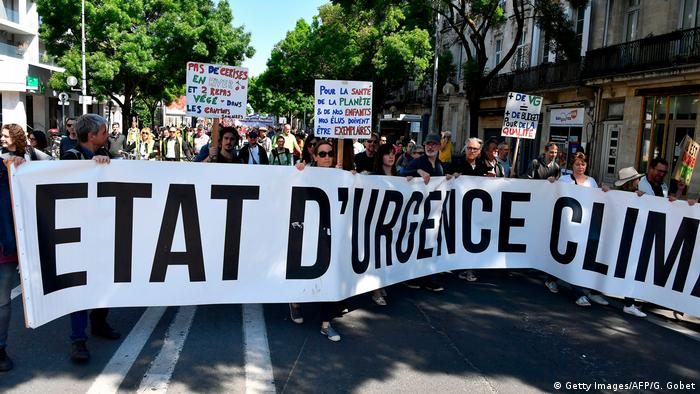 Environmentalists joined unionists and yellow vest protesters in Bordeaux 'State of Emergency: Climate'