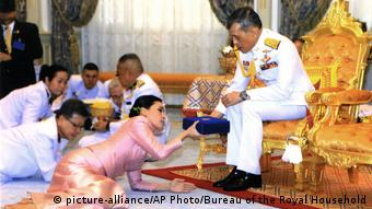 Thailand Bangkok - König Maha Vajiralongkorn Bodindradebayavarangkun und Königin Suthida Vajiralongkorn Na Ayudhya