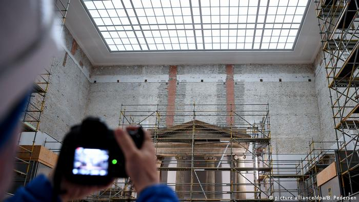 Berlin's the Pergamonmuseum under reconstruction (picture-alliance/dpa/B. Pedersen)