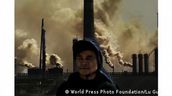China Fabriken im Hainan Industrial Park von Wuhai City (World Press Photo Foundation/Lu Guang )