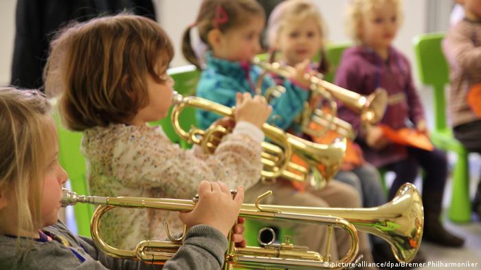 Deutschland Orchester spielen mehr für die Jugend (picture-alliance/dpa/Bremer Philharmoniker)