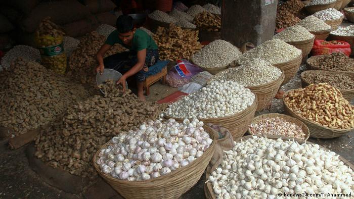 Bangladesch Markt | Knoblauch, Zwiebeln und Ingwer (bdnews24.com/T. Ahammed)