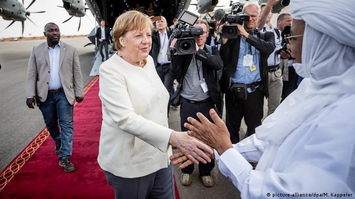 Niger Kanzlerin Merkel auf Afrikareise   Merkel und Premierminister Brigi Rafini