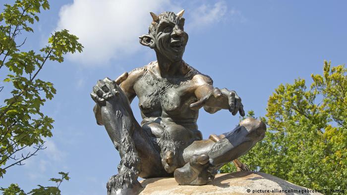 Devil statue on the Hexentanzplatz, Thale, Harz, Saxony-Anhalt, Deutschland, Europa (picture-alliance/imagebroker/S. Kuttig)