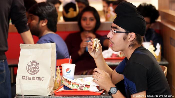 Indien Burger King-Restaurant in Neu Delhi (picture-alliance/dpa/M. Sharma)