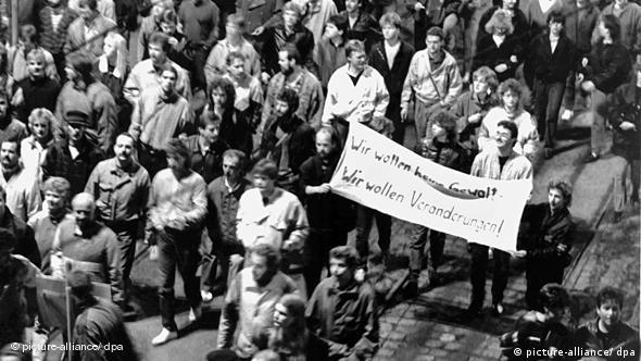 Leipziger Montagsdemonstration vor 20 Jahren Flash-Galerie