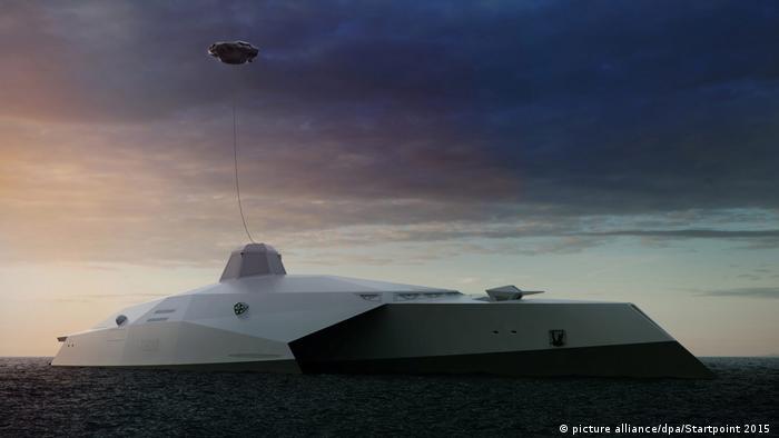 نیروی دریای بریتانیا در حال ساخت دریدنوت ۲۰۵۰ است. این کشتی سوپر مدرن که بخشهای زیادی از کار آن به صورت خودکار انجام میشود نیاز به تنها ۵۰ نفر خدمه دارد. برجک دریدنوت ۲۰۵۰ به سلاح لیزی مسلح است که میتواند در بالای کشتی به پرواز درآمده و بسوی اهداف مختلف تیراندازی کند. این کشتی همچنین به پهپاد نیز مسلح است.