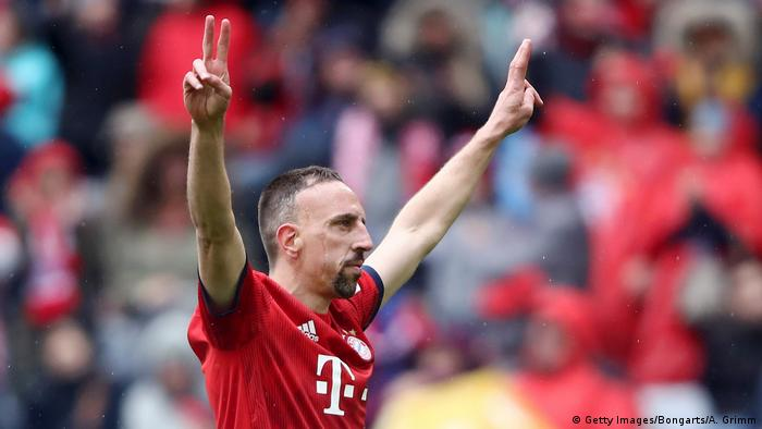 Franck Ribery of Bayern Munich celebrates after scoring his team's third goal during the Bundesliga match between FC Bayern Muenchen and Hannover 96 at Allianz Arena on May 04, 2019 in Munich, Germany (Getty Images/Bongarts/A. Grimm)