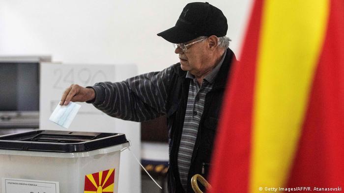 Stichwahl in Nord-Mazedonien Wahllokal