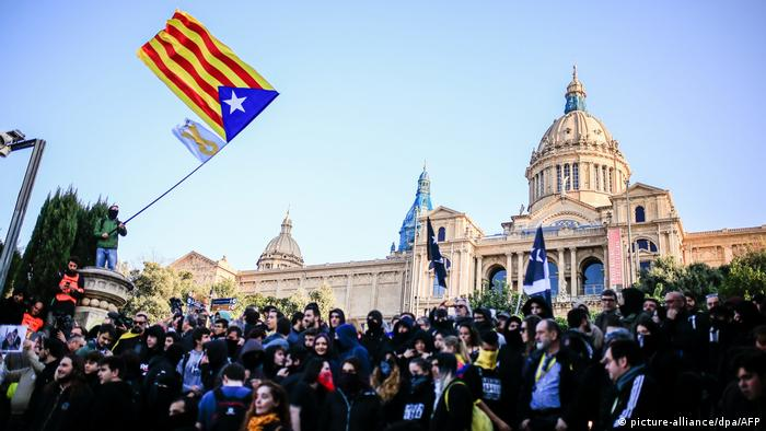Spanien   Protest des CDR (Committee of the Defense of the Catalan Republic) in Barcelona