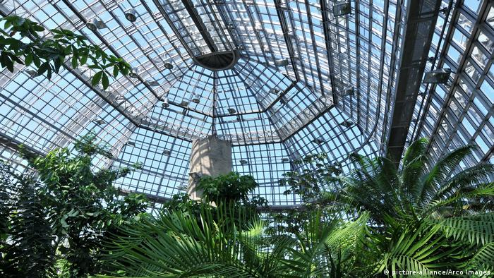 the Tropical Gallery of the Botanical Gardens (picture-alliance/Arco Images)