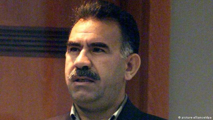 Abdullah Öcalan 1999 vor einem Militärgericht auf der Gefängnis-Insel Imrali