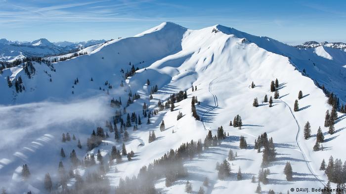 Snowcovered mountain Riedberger Horn in the Allgäu region (DAV/J. Bodenbender)