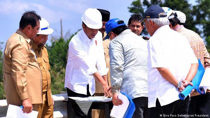 Presiden Joko Widodo membahas pemindahan ibu kota