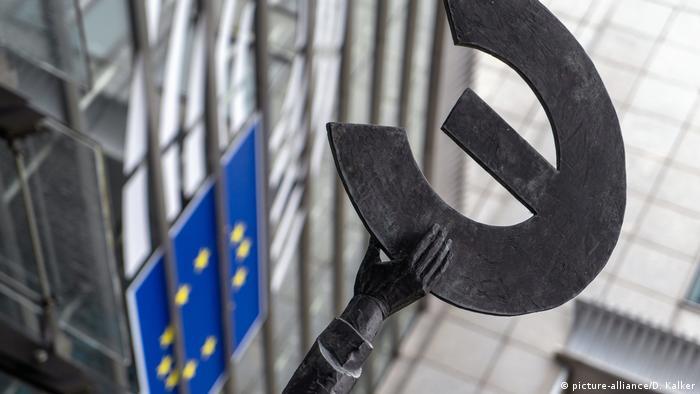 Belgien: Statue Europa vor EU-Parlament, Brüssel