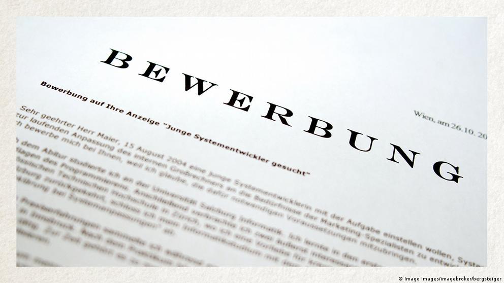 Deutschkurse | Wortschatz | WBS_Foto_Anschreiben