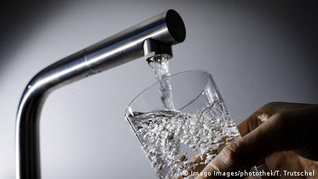 Symbolbild - Trinkwasser (Imago Images/photothek/T. Trutschel)