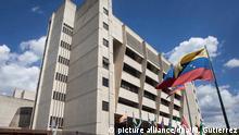 HOLD-- ARCHIV- Das Tribunal Supremo de Justicia (TSJ) in Caracas (Venezuela), aufgenommen am 07.01.2016. Das oberste Gericht Venezuelas demontiert nach einem Bericht der unabhängigen Juristenkommission (IJC) den Rechtsstaat. (zu dpa Juristen werfen Oberstem Gericht Venezuelas Staatsstreich vor vom 12.09.2017) Foto: Miguel Gutierrez/EFE/dpa +++(c) dpa - Bildfunk+++ |