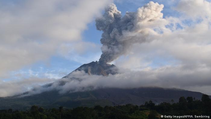 BdTD Indonesien | Ausbruch Vulkan Sinabung (Getty Images/AFP/A. Sembiring)