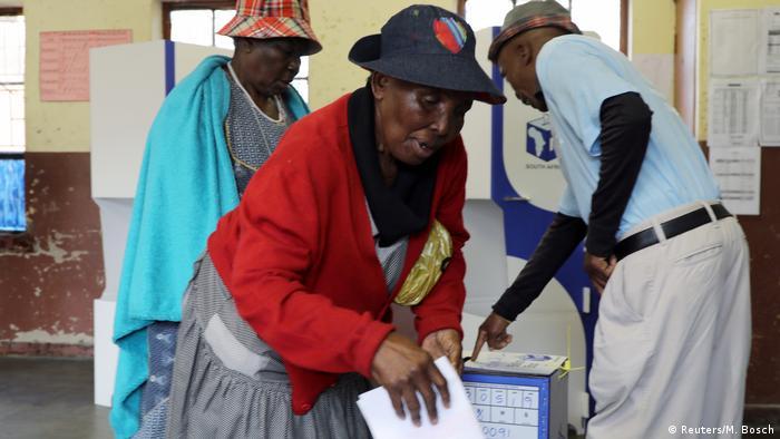Südafrika Wahlen Wählerin in Seshego