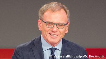 ORF-Moderator Armin Wolf (picture-alliance/dpa/D. Bockwoldt)