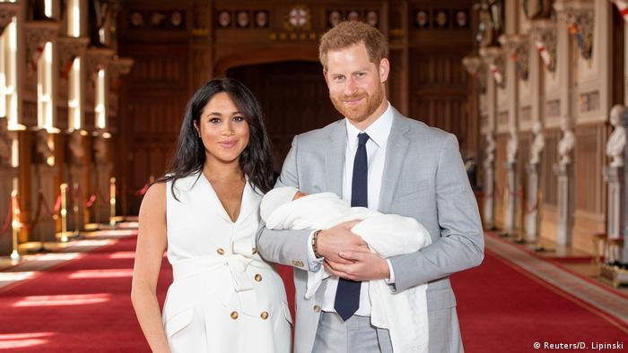 Prince Harry and Meghan with Baby (Reuters/D. Lipinski)