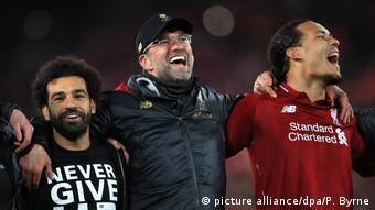 Fussball Champions League l FC Liverpool - FC Barcelona l Jubel bei Trainer Jürgen Klopp, Mohamed Salah und Virgil van Dijk