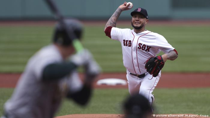 Sport USA l Athletics Red Sox Baseball - Hector Velazquez (picture alliance/AP Images/C. Krupa)