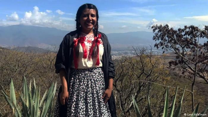 Luego de graduarse en la carrera de Ingeniería en Irrigación de la Universidad Autónoma de Chapingo, Tania Eulalia Martínez Cruz obtuvo su maestría en Ingenería en Biosistemas y Agricultura de la Universidad de Arizona.