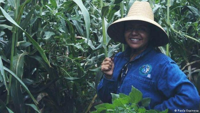 Tania Eulalia Martínez Cruz proviene de la comunidad indígena mixe, (cuyo nombre autónomo es Ayuukjä'äy), en Oaxaca, México.