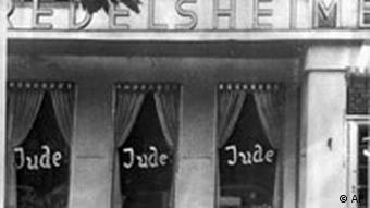 Deutsche boykottieren jüdische Geschäfte