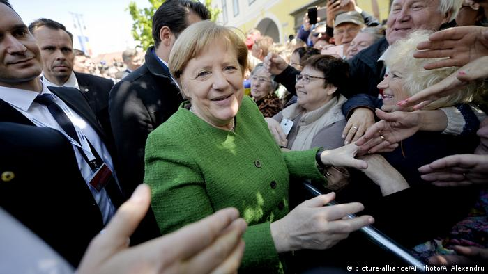 Cancelara Angela Merkel în 2019 la summitului UE de la Sibiu (picture-alliance/AP Photo/A. Alexandru)