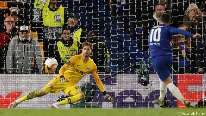 Еден Азар забиває вирішальний пенальті в серії
