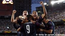 VALENCIA, SPAIN - MAY 09: Pierre-Emerick Aubameyang of Arsenal celebrates with teammates after scoring his team's first goal during the UEFA Europa League Semi Final Second Leg match between Valencia and Arsenal at Estadio Mestalla on May 09, 2019 in Valencia, Spain. (Photo by Alex Caparros/Getty Images)