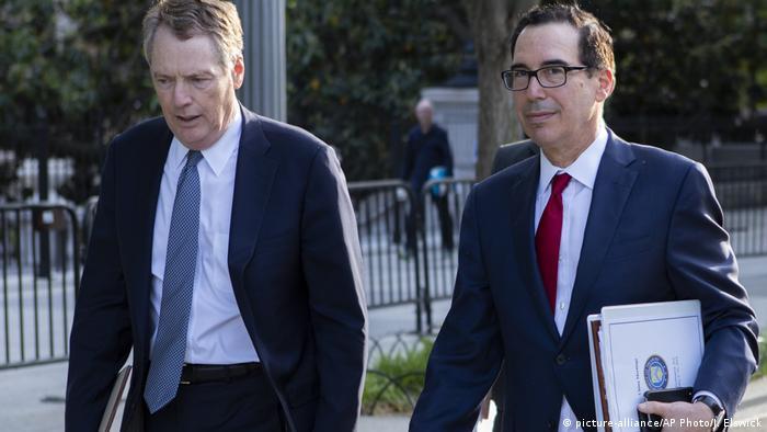 El representante de Comercio de EE. UU., Robert Lighthizer (a la izquierda), con el secretario de Finanzas, Steven Mnuchin.