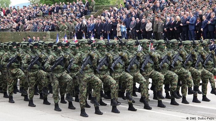 Parada militara de la Nis