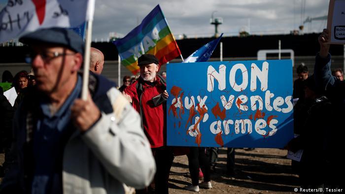 Frankreich Le Havre | Frachtschiff Bahri-Yanbu, Saudi-Arabien | Protest & Vorwurf der Waffenlieferung