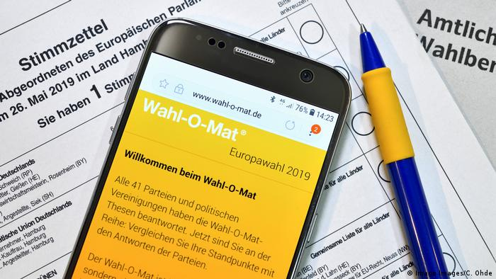 Wahl-O-Mat, Germany's official voting advice application (Imago Images/C. Ohde)