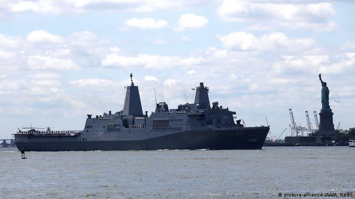 USA, New York: USS Arlington (picture-alliance /AA/A. Ozdil)
