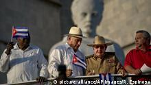 Kuba Präsident Miguel Diaz-Canel und Raul Castro bei den Feiern zum 1. Mai