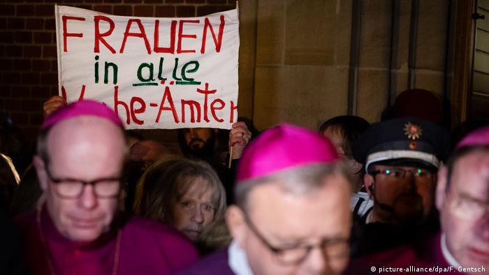 Frauen und Kirche - Kirchenstreik Maria 2.0