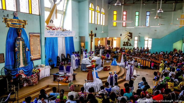 Sunday Mass in Ouagadougou (picture-alliance/Godong/P. Lissac)