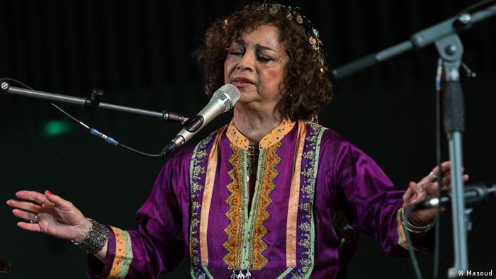 آهنگهای اجرا شده در این کنسرت، منتخبی از آهنگهای منتشر شده قبلی سیما بینا بودند، که گاه با همخوانی دیگر اعضای گروه، و گاه با همخوانی علیرضا شیروانی همراه بودند.