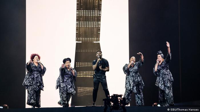 Israel Tel Aviv ESC 2019 rehearsals for Sweden shows multiple performers onstage (EBU/Thomas Hanses)
