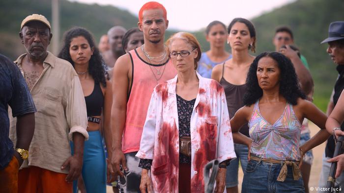 Cena de Bacurau, estrelado por Sônia Braga