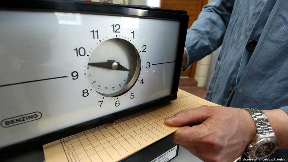 Symbolbild EuGH Urteil: Arbeitgeber müssen Arbeitszeiten systematisch erfassen