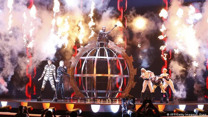 Island performt auf der Bühne (AFP/Getty Images/J. Guez)