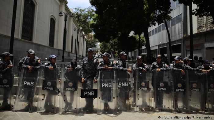 Venezuela Einsatz zur Abriegelung des Parlaments