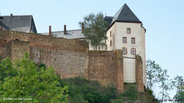 Вид на крепость с противоположного берега реки Мульде
