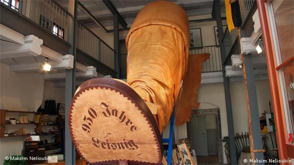 сапог-рекордсмен 330-го размера